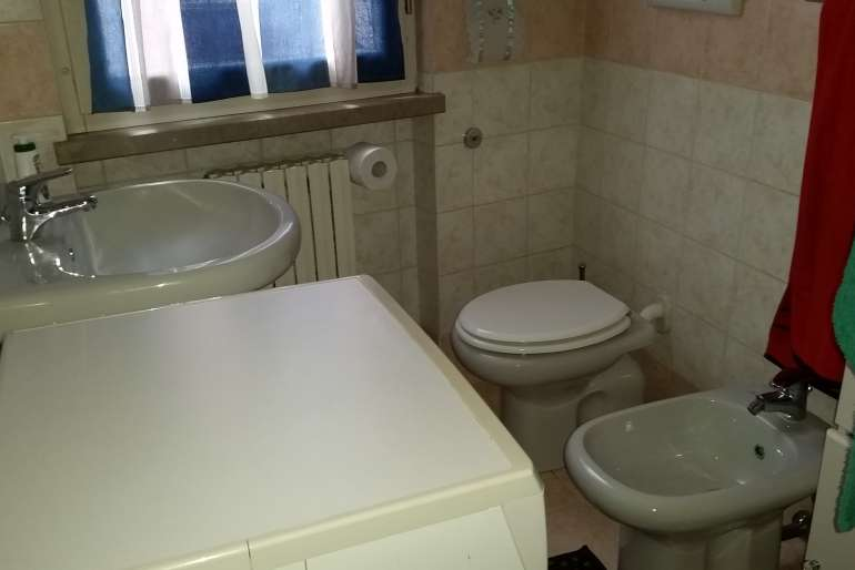 bagno/lavanderia con doccia