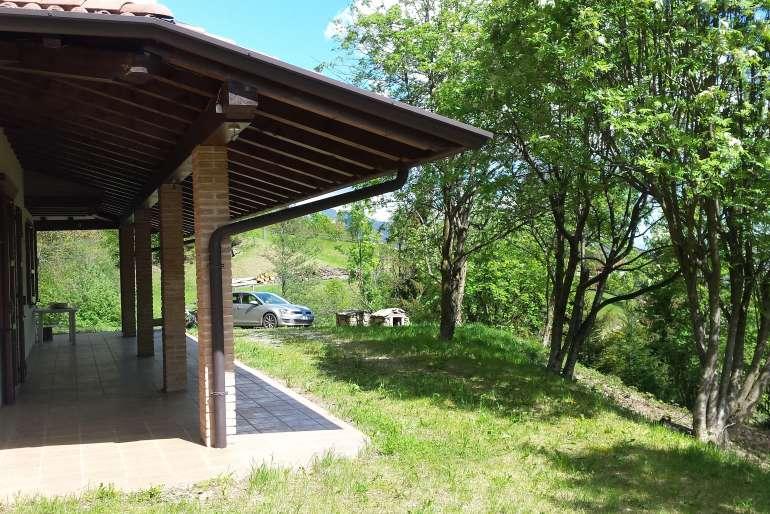 Villa vendita pezzaze for Portico auto in vendita